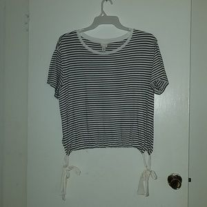 Tops - A•n•d eawy black white stripe crop top